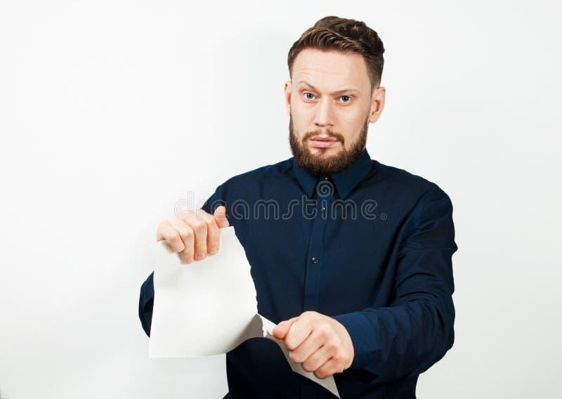 Portret van de knappe volwassen die mens op witte achtergrond wordt ge?soleerd Kaukasische zakenman met de spatie van de baardsch stock foto's