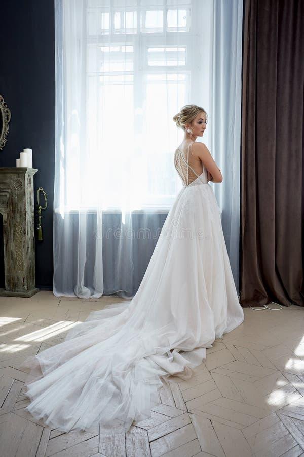 Portret van de mooie bruid stock foto's
