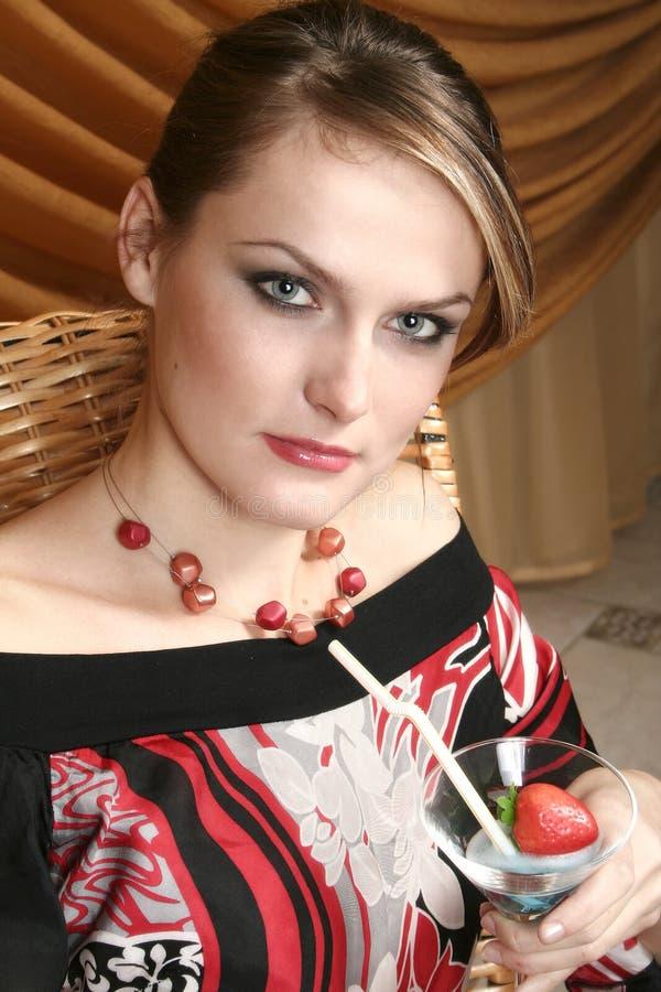 Portret van de mooie jonge vrouw royalty-vrije stock afbeeldingen