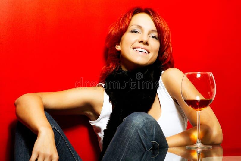 Portret van de mooie redhead vrouw stock foto