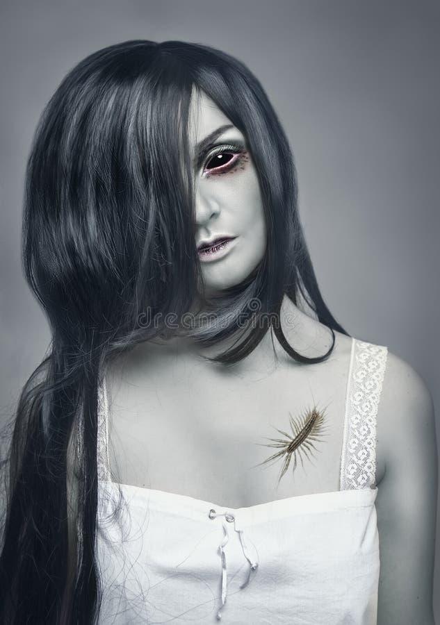 Portret van de mystiek spook het mooie vrouw stock afbeelding