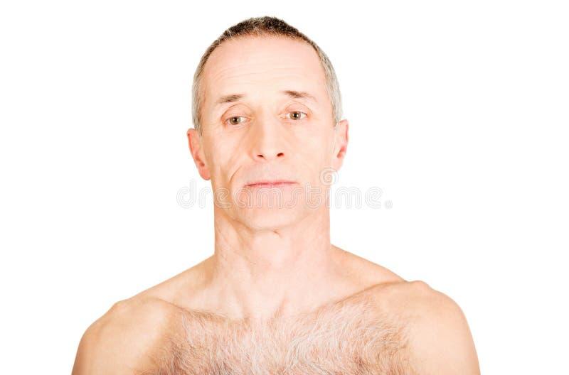 Portret van de rijpe mens met ernstige blik stock foto