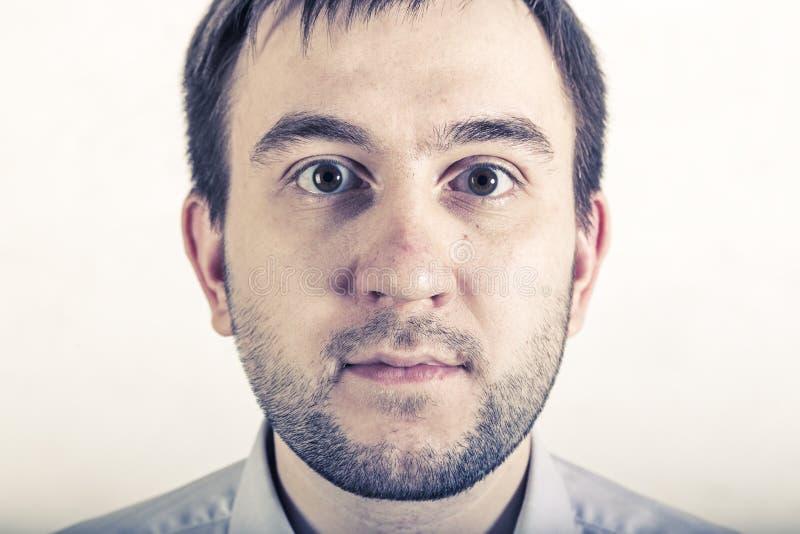Portret van de verraste jonge mens royalty-vrije stock foto