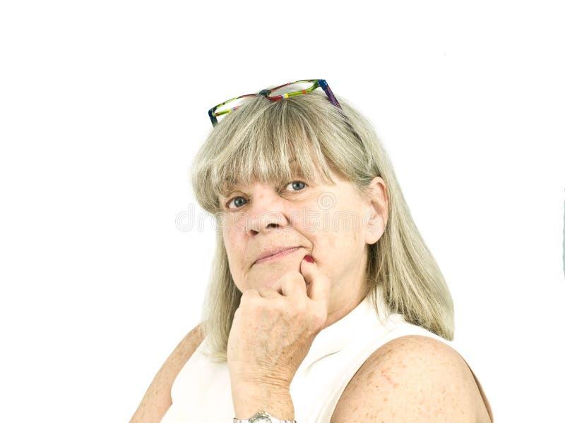 Portret van denkende Hogere Vrouw stock foto