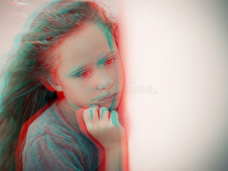 Portret van droevig kind royalty-vrije stock afbeeldingen