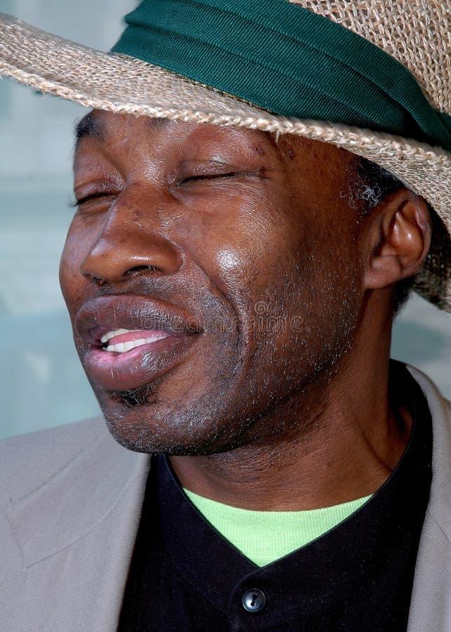 Download Portret Van Een Afrikaanse Amerikaanse Mens Stock Foto - Afbeelding bestaande uit mannetje, expressief: 286064