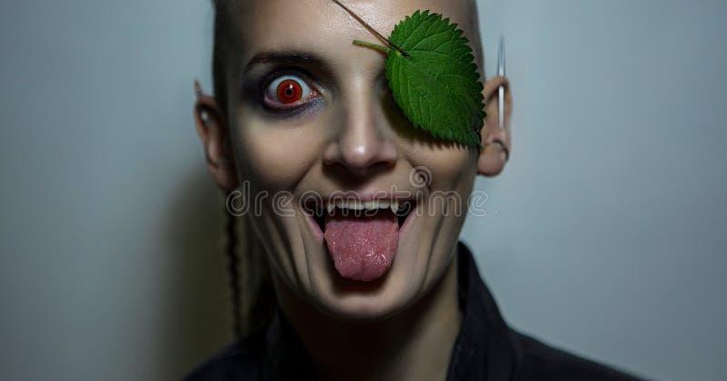Portret van een androgeen model Natuurbescherming Het modelgezicht van ` s stock foto