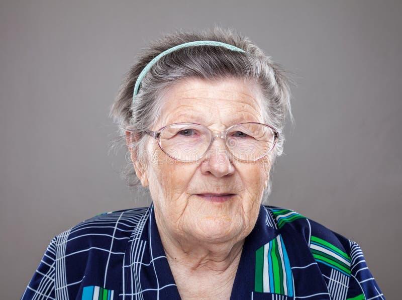 Portret van een bejaarde royalty-vrije stock foto's