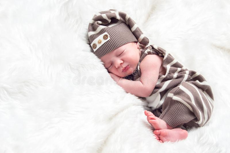 Portret van een de babyjongen van de slaapzuigeling stock foto's