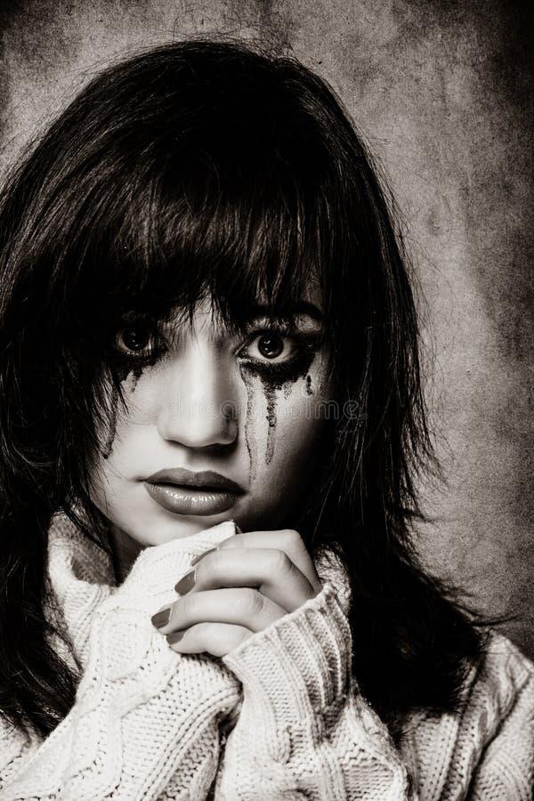Portret van een droevig donkerbruin meisje royalty-vrije stock foto