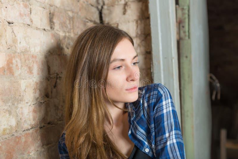 Portret van een droevig meisje royalty-vrije stock afbeeldingen