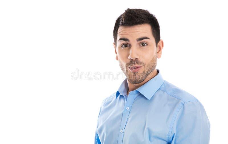 Portret van een geïsoleerde grappige en verbaasde zakenman die benieuwd zijn stock afbeeldingen