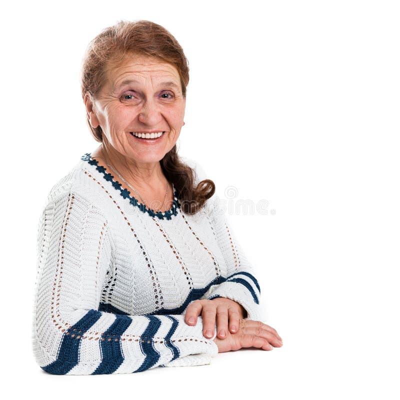 Portret van een gelukkige oude vrouw royalty-vrije stock foto