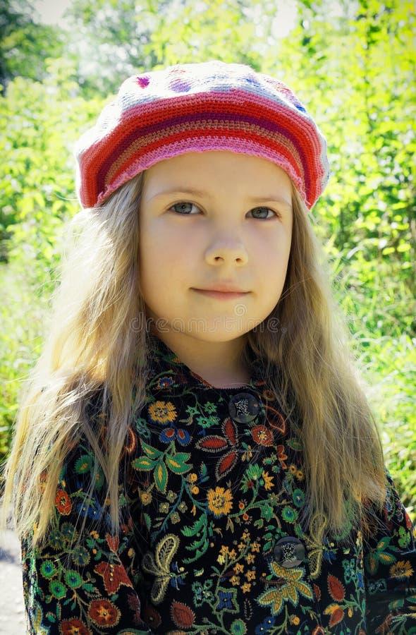 Portret van een jong mooi meisje stock foto