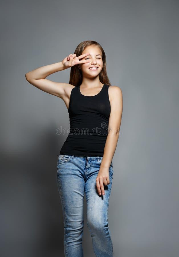 Portret van een jong mooi meisje in de studio royalty-vrije stock foto's