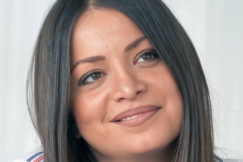 Portret van een jong vrouwen` s gezicht Close-up royalty-vrije stock foto's