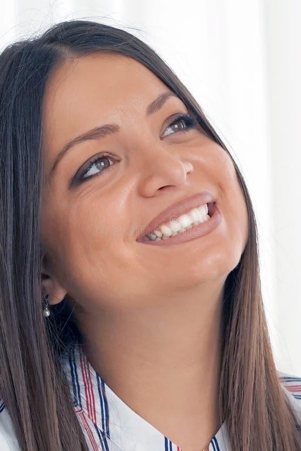 Portret van een jong vrouwen` s gezicht Close-up royalty-vrije stock afbeelding