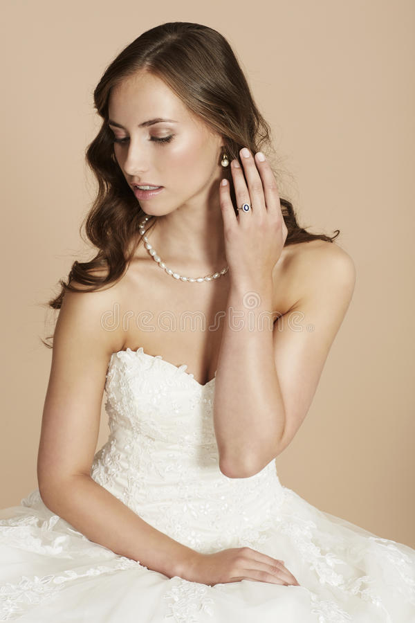 Portret van een jonge bruid royalty-vrije stock foto