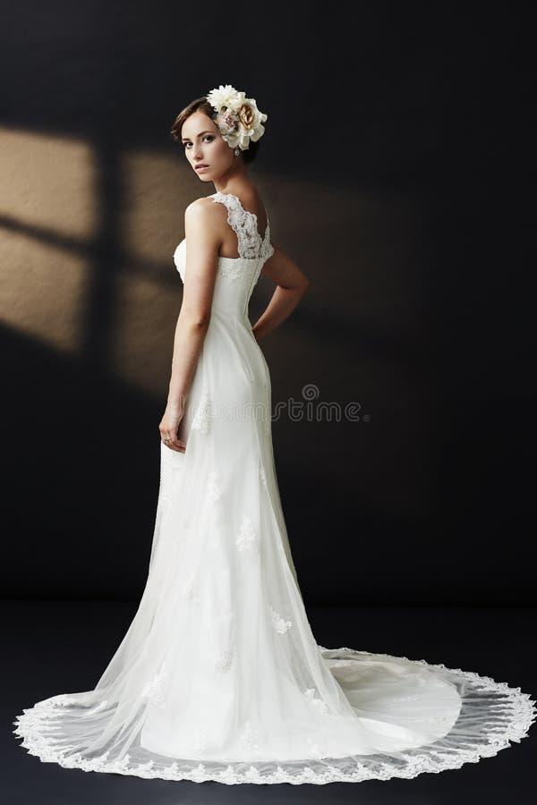Portret van een jonge bruid stock afbeelding