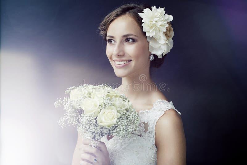 Portret van een jonge bruid stock fotografie