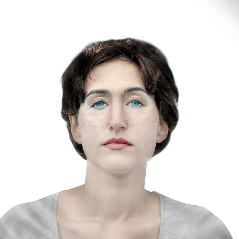 Portret van een jonge ernstige vrouw met blauwe ogen in een koude stijl stock fotografie