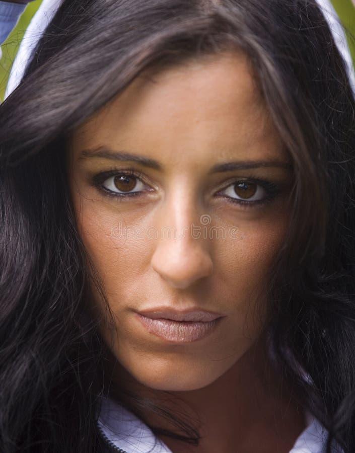 Portret van een jonge Iraanse vrouw stock afbeelding