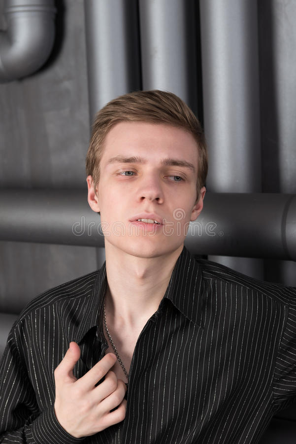 Portret van een jonge mens royalty-vrije stock fotografie