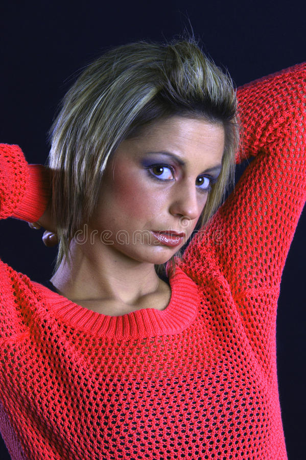 Portret van een jonge, modieuze vrouw stock foto's