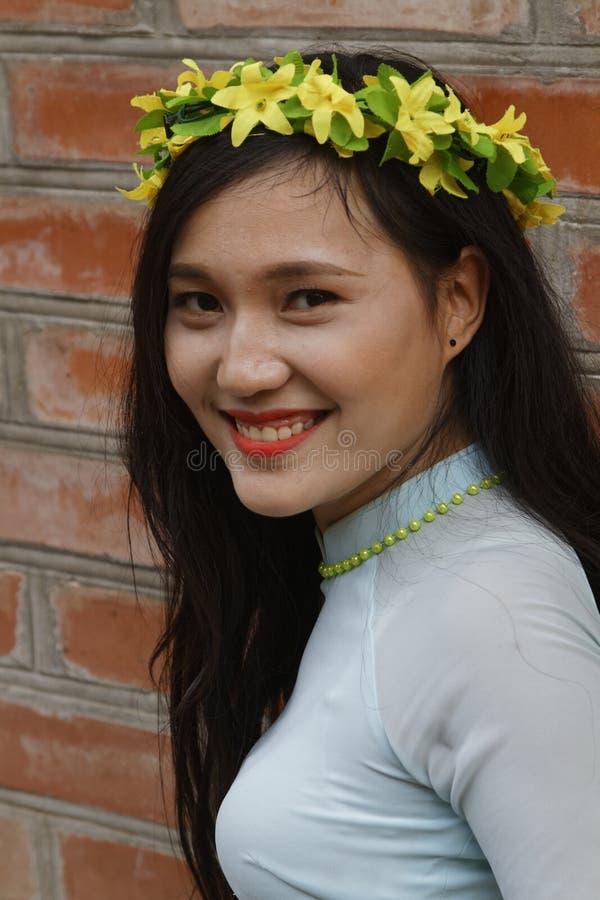 Portret van een jonge Vietnamese student royalty-vrije stock afbeelding