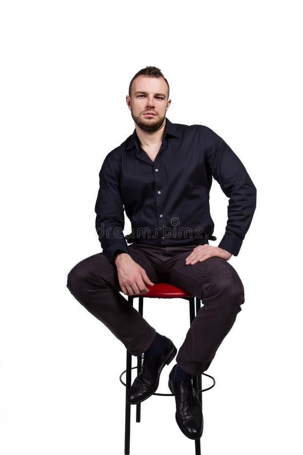 Portret van een knappe Kaukasische mens op witte achtergrond stock fotografie