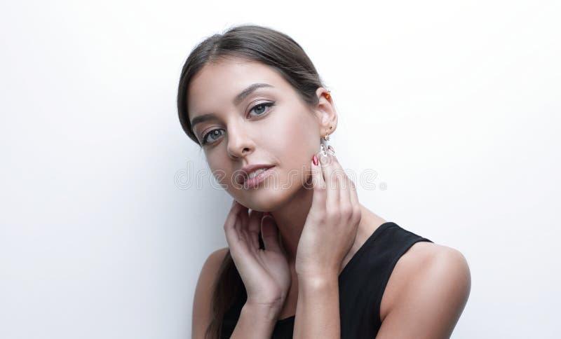 Portret van een leuke jonge vrouw met zachte samenstelling stock afbeelding
