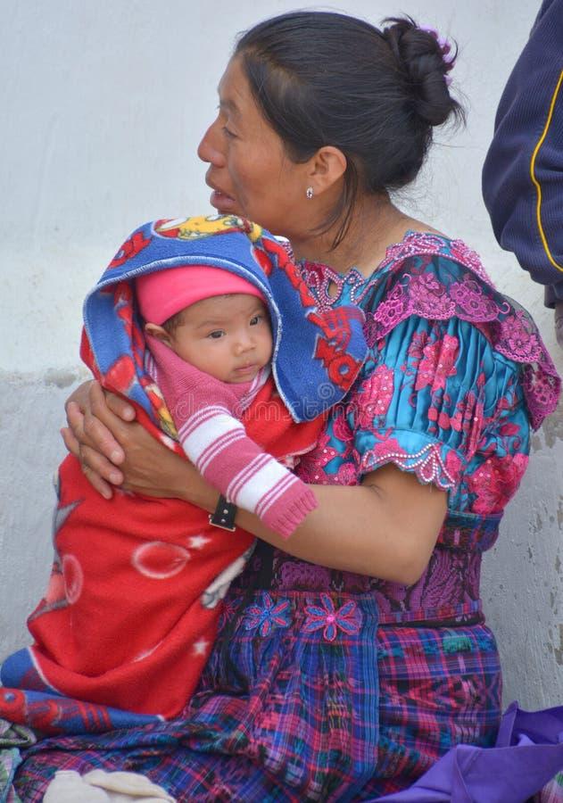 Portret van een Mayan baby en zijn moeder royalty-vrije stock foto's