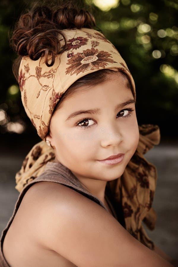 Portret van een mooi jong meisje royalty-vrije stock afbeelding