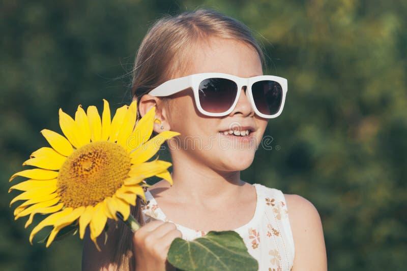 Portret van een mooi jong meisje stock foto