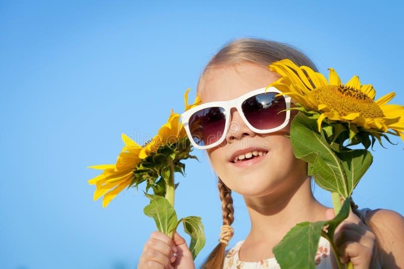 Portret van een mooi jong meisje stock fotografie