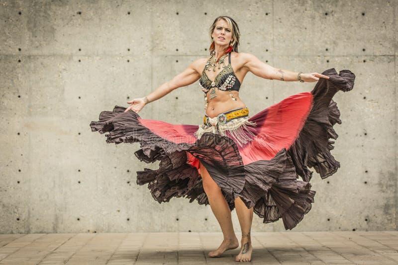 Portret van een mooie buikdanser royalty-vrije stock foto's