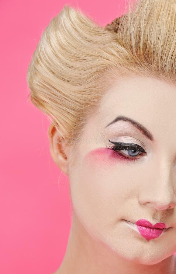 Portret van een mooie geisha stock afbeeldingen