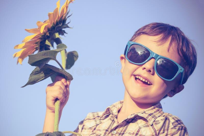 Portret van een mooie jonge jongen royalty-vrije stock fotografie