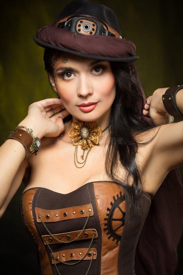 Portret van een mooie steampunkvrouw royalty-vrije stock foto's