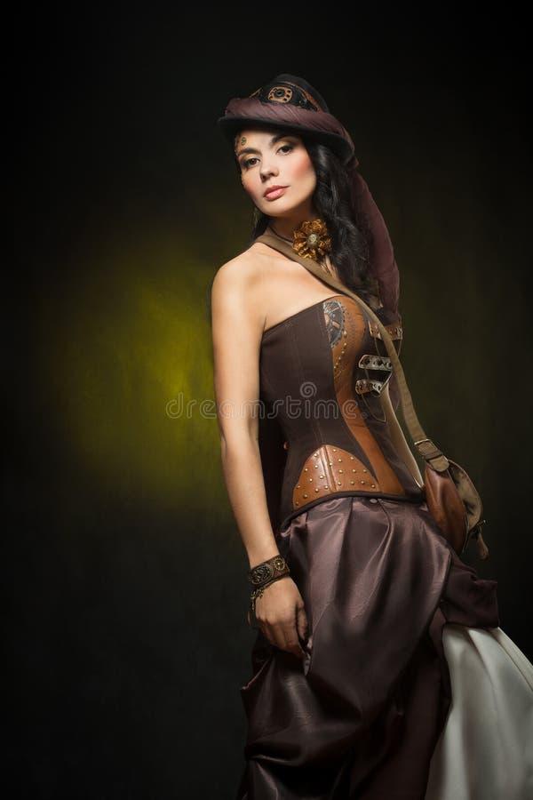 Portret van een mooie steampunkvrouw stock afbeelding