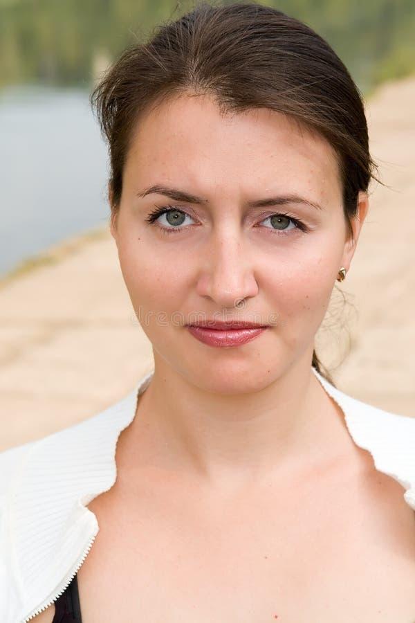 Portret van een mooie vrouw stock afbeelding