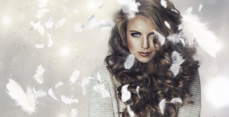 Portret van een mooie vrouw royalty-vrije stock afbeelding