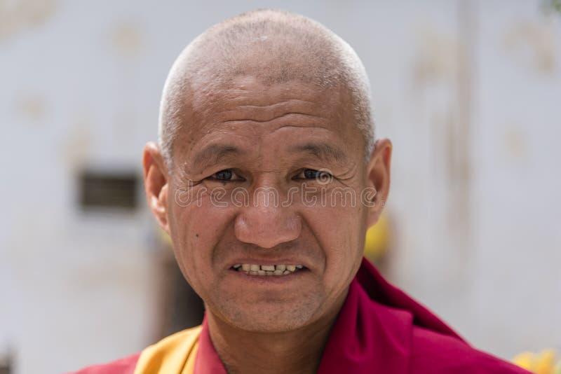 Portret van een oude Tibetaanse Boeddhistische monnik royalty-vrije stock foto
