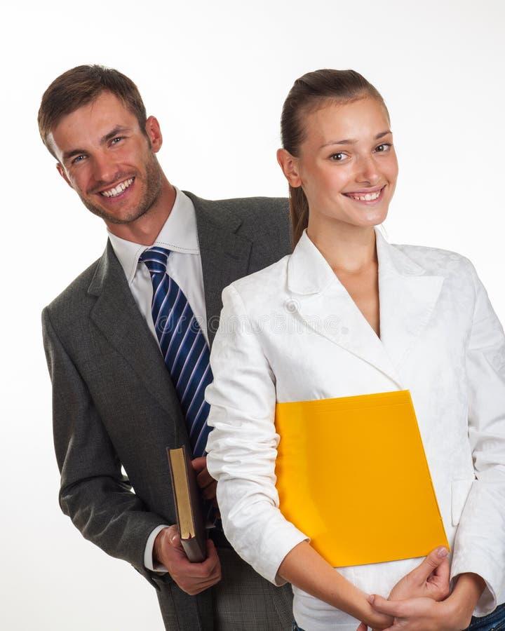 Portret van een paar succesvolle jonge managers stock afbeelding