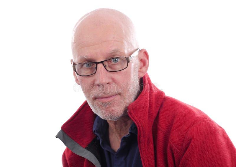Portret van een rijpe mens met een rood jasje royalty-vrije stock afbeeldingen