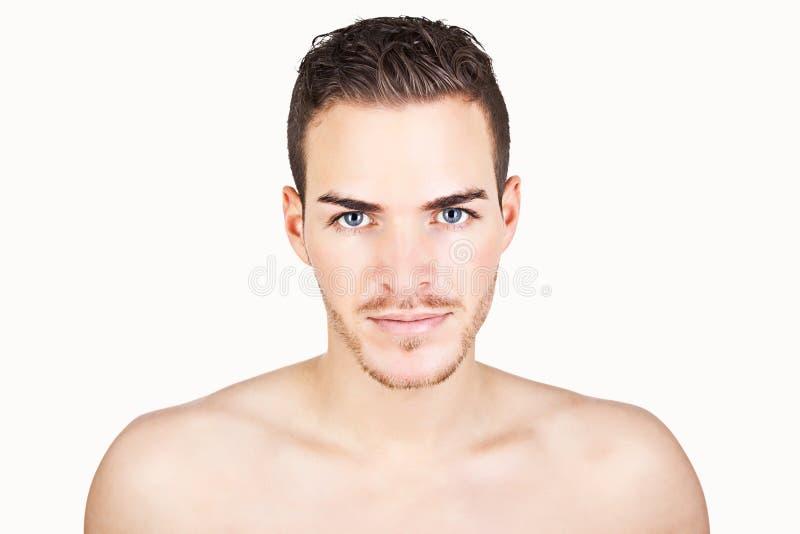 Portret van een sportieve jonge die mens op wit wordt geïsoleerd royalty-vrije stock foto's