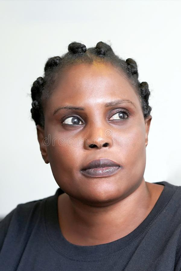 Portret van een vrouwengezicht Close-up stock afbeelding