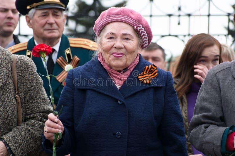 Portret van een vrouwenveteraan van de Tweede Wereldoorlog royalty-vrije stock foto's