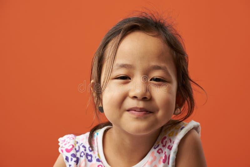 Portret van ernstig Aziatisch meisje royalty-vrije stock foto's