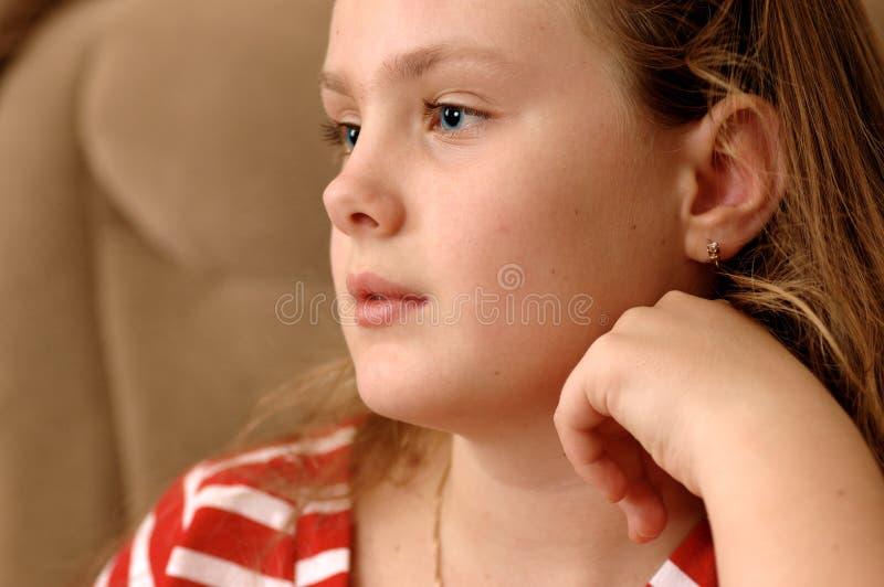 Portret van ernstig meisje. royalty-vrije stock afbeeldingen